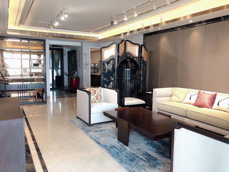 华丰前海湾A栋2单元2702超豪华装修177平海景房4室